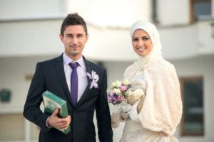 Можно ли мусульманину жениться на христианке видео