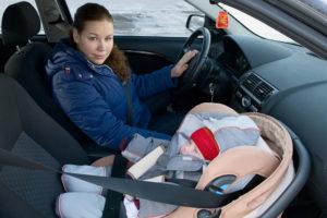 Можно ли устанавливать детское кресло на переднее сидение
