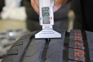 Остаточный протектор зимних шин легкового автомобиля