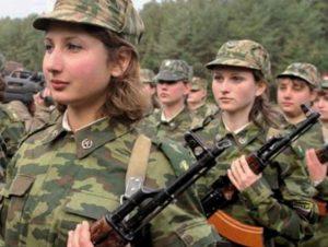 Берут ли по контракту в армию девушек